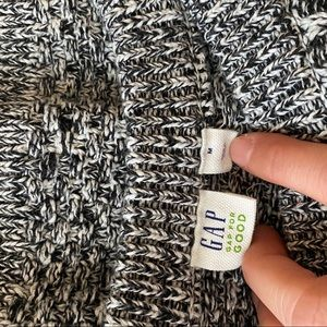 Sweaters - Gap cable knit sweater
